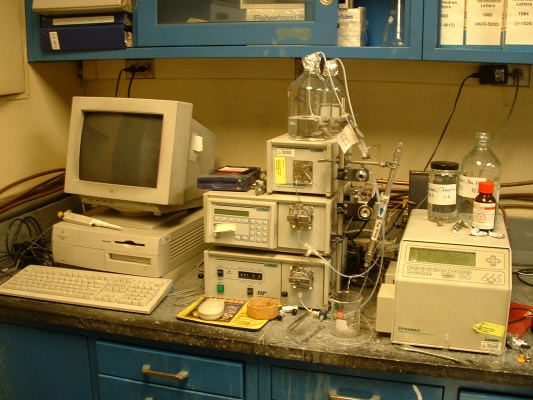 Nakanishi Group Pictures From The Laboratory Instruments
