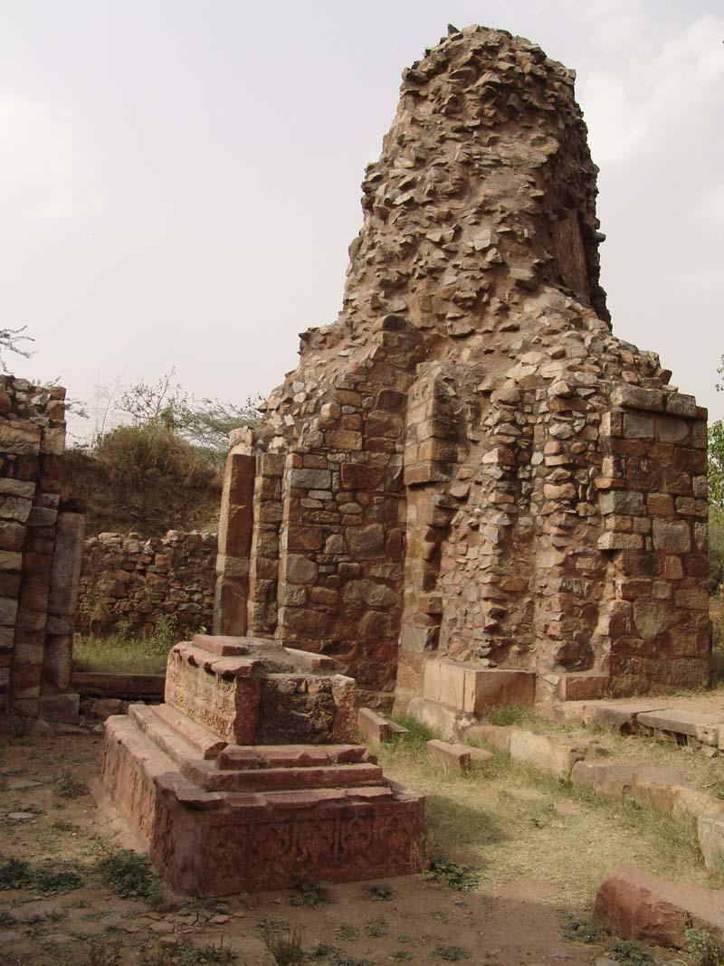 Ghiyasuddin Balban Tomb Balban's tomb images