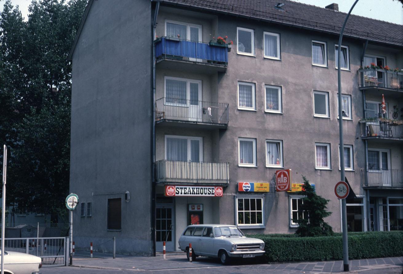frankfurt platenstrasse 1975. Black Bedroom Furniture Sets. Home Design Ideas